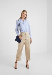 Polo Ralph Lauren - PIECE DYED - Pantalon classique - classic tan - 1