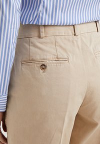 Polo Ralph Lauren - PIECE DYED - Pantalon classique - classic tan - 4