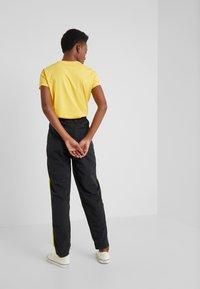 Polo Ralph Lauren - SPORT FREESTYLE - Pantalones deportivos - black - 2