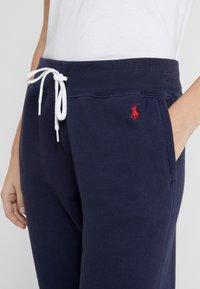 Polo Ralph Lauren - SEASONAL - Pantaloni sportivi - cruise navy - 4