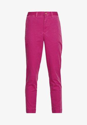SLIM LEG PANT - Kalhoty - college pink