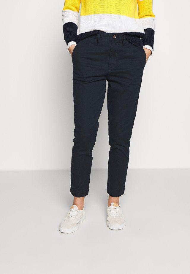 SLIM LEG PANT - Spodnie materiałowe - aviator navy