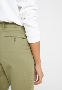 Polo Ralph Lauren - SLIM LEG PANT - Spodnie materiałowe - spanish green - 5