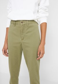 Polo Ralph Lauren - SLIM LEG PANT - Spodnie materiałowe - spanish green - 3