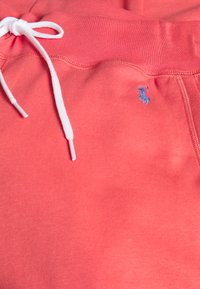Polo Ralph Lauren - FEATHERWEIGHT - Tracksuit bottoms - amalfi red - 2