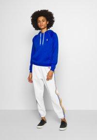 Polo Ralph Lauren - SEASONAL - Pantalon de survêtement - deckwash white - 1
