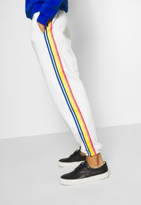 Polo Ralph Lauren - SEASONAL - Pantalon de survêtement - deckwash white - 3