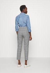 Polo Ralph Lauren - SKINNY PANT - Kalhoty - black/white gingh - 2
