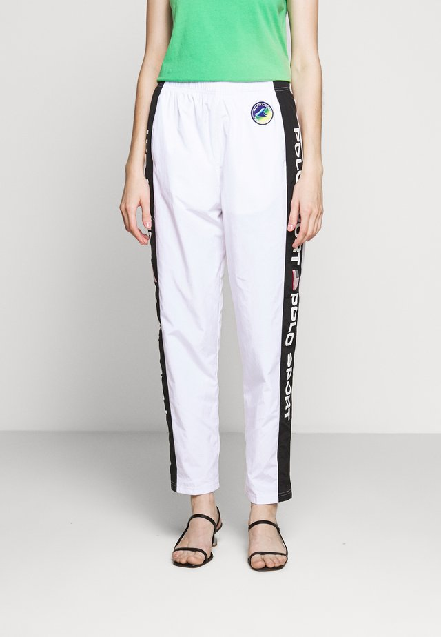 FREESTYLE - Spodnie treningowe - pure white