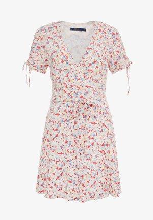 Vapaa-ajan mekko - sakura