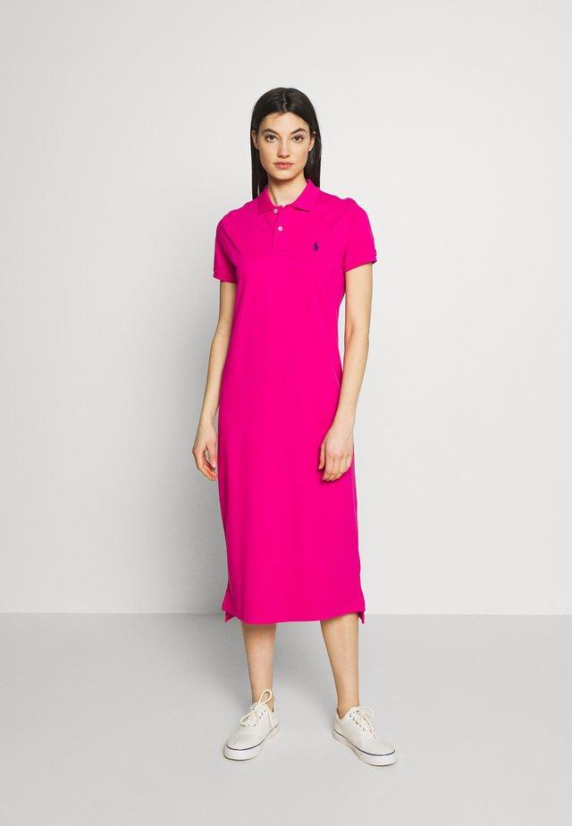 CASUAL DRESS - Korte jurk - accent pink