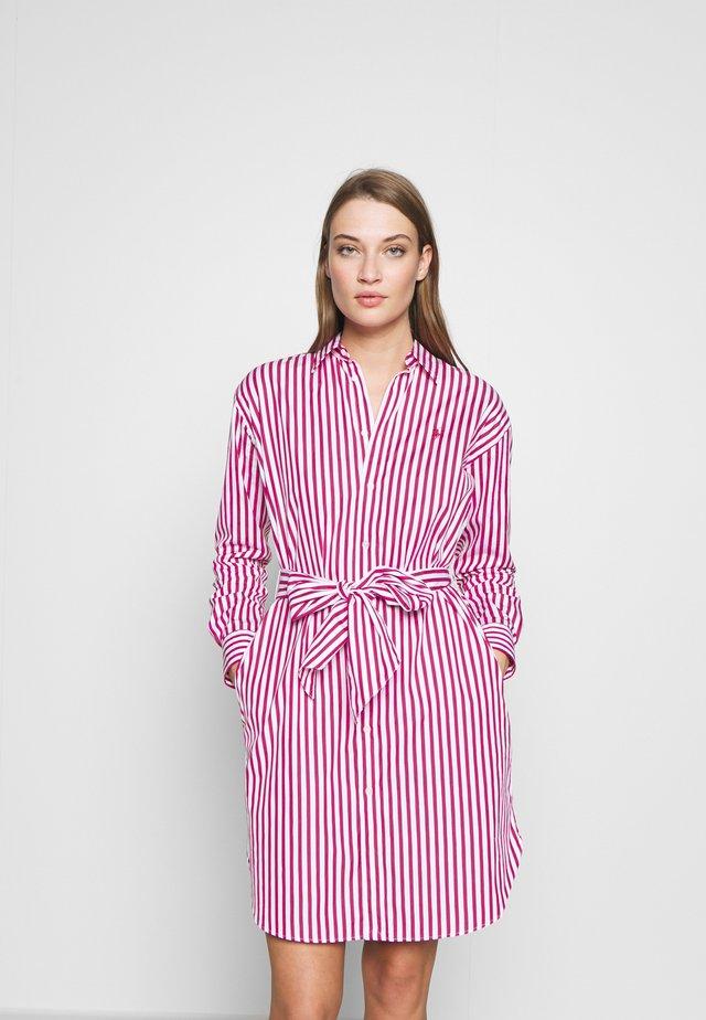 Korte jurk - pink/white