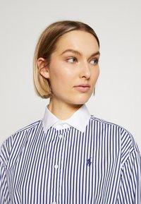 Polo Ralph Lauren - LONG SLEEVE CASUAL DRESS - Shirt dress - white/navy - 4