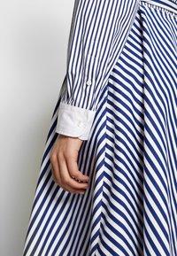 Polo Ralph Lauren - LONG SLEEVE CASUAL DRESS - Shirt dress - white/navy - 5