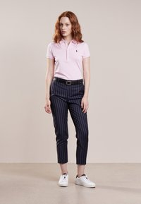 Polo Ralph Lauren - JULIE SHORT SLEEVE SLIM FIT - Polo - country club pink/navy - 1