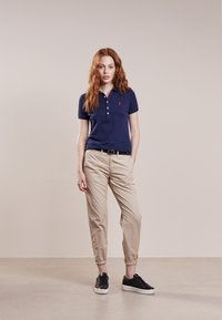 Polo Ralph Lauren - JULIE SHORT SLEEVE SLIM FIT - Polotričko - newport navy - 1