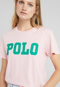 Polo Ralph Lauren - T-shirt con stampa - pink sand - 4