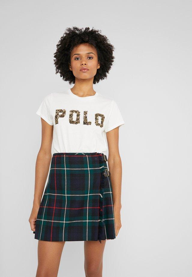 T-shirt con stampa - nevis