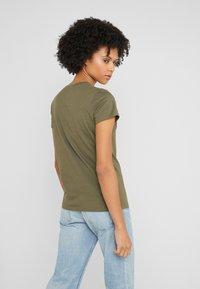 Polo Ralph Lauren - T-shirt con stampa - defender green - 2