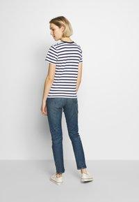 Polo Ralph Lauren - T-shirt con stampa - white/cruise navy - 2