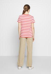 Polo Ralph Lauren - STRIPE SLEEVE - T-shirt con stampa - amalfi red/white - 2
