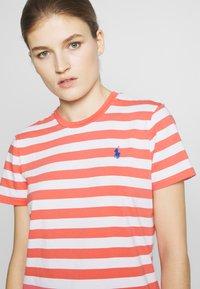 Polo Ralph Lauren - STRIPE SLEEVE - T-shirt con stampa - amalfi red/white - 3