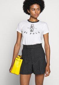 Polo Ralph Lauren - BEAR SHORT SLEEVE - Print T-shirt - nevis - 4