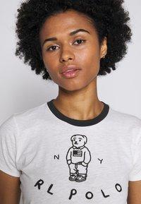 Polo Ralph Lauren - BEAR SHORT SLEEVE - Print T-shirt - nevis - 3