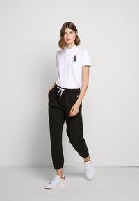 Polo Ralph Lauren - BEAR CLASSIC FIT - Poloshirt - navy/white - 1