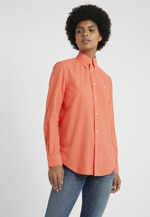 RELAXED FIT - Camicia - racing red