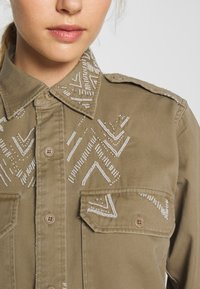 Polo Ralph Lauren - LONG SLEEVE - Camicia - desert tan