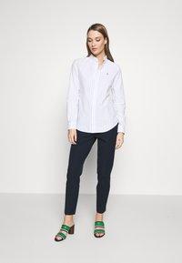 Polo Ralph Lauren - KENDAL - Camisa - white/blue - 1