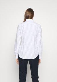 Polo Ralph Lauren - KENDAL - Camisa - white/blue - 2