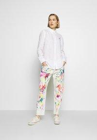 Polo Ralph Lauren - RELAXED LONG SLEEVE - Košile - white - 1