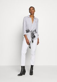 Polo Ralph Lauren - RELAXED LONG SLEEVE - Košile - white/black - 1