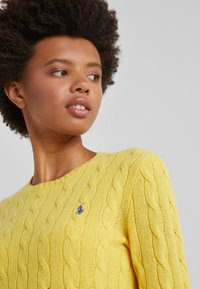 Polo Ralph Lauren - JULIANNA - Maglione - racing yellow - 4