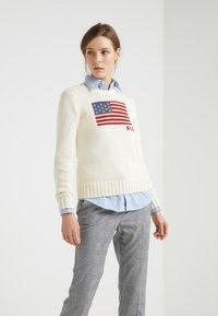 Polo Ralph Lauren - FLAG - Svetr - cream/multi - 0
