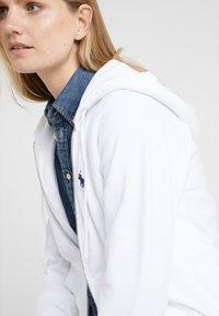 Polo Ralph Lauren - SEASONAL - Sudadera con cremallera - white - 3