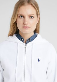 Polo Ralph Lauren - SEASONAL - Sudadera con cremallera - white - 5