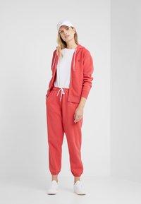 Polo Ralph Lauren - SEASONAL - Zip-up hoodie - spring red - 1
