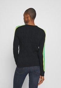 Polo Ralph Lauren - OVERSIZED CABLE - Sweter - black multi - 2