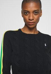 Polo Ralph Lauren - OVERSIZED CABLE - Sweter - black multi - 5