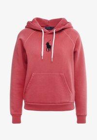 Polo Ralph Lauren - SEASONAL - Mikina skapucí - nantucket red - 3