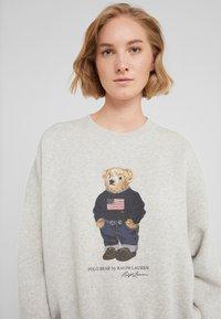 Polo Ralph Lauren - SEASONAL - Sweatshirt - light sport heather - 4