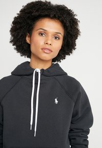 Polo Ralph Lauren - SEASONAL  - Mikina s kapucí - polo black - 3