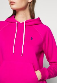 Polo Ralph Lauren - FEATHERWEIGHT - Hoodie - accent pink - 5