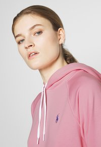 Polo Ralph Lauren - FEATHERWEIGHT - Bluza z kapturem - resort pink - 3