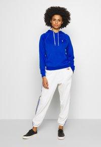 Polo Ralph Lauren - FEATHERWEIGHT - Bluza z kapturem - heritage blue - 1