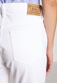 Polo Ralph Lauren - CARDWELL WASH - Relaxed fit jeans - white - 3