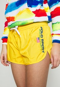 Polo Ralph Lauren - Shorts - university yellow - 5